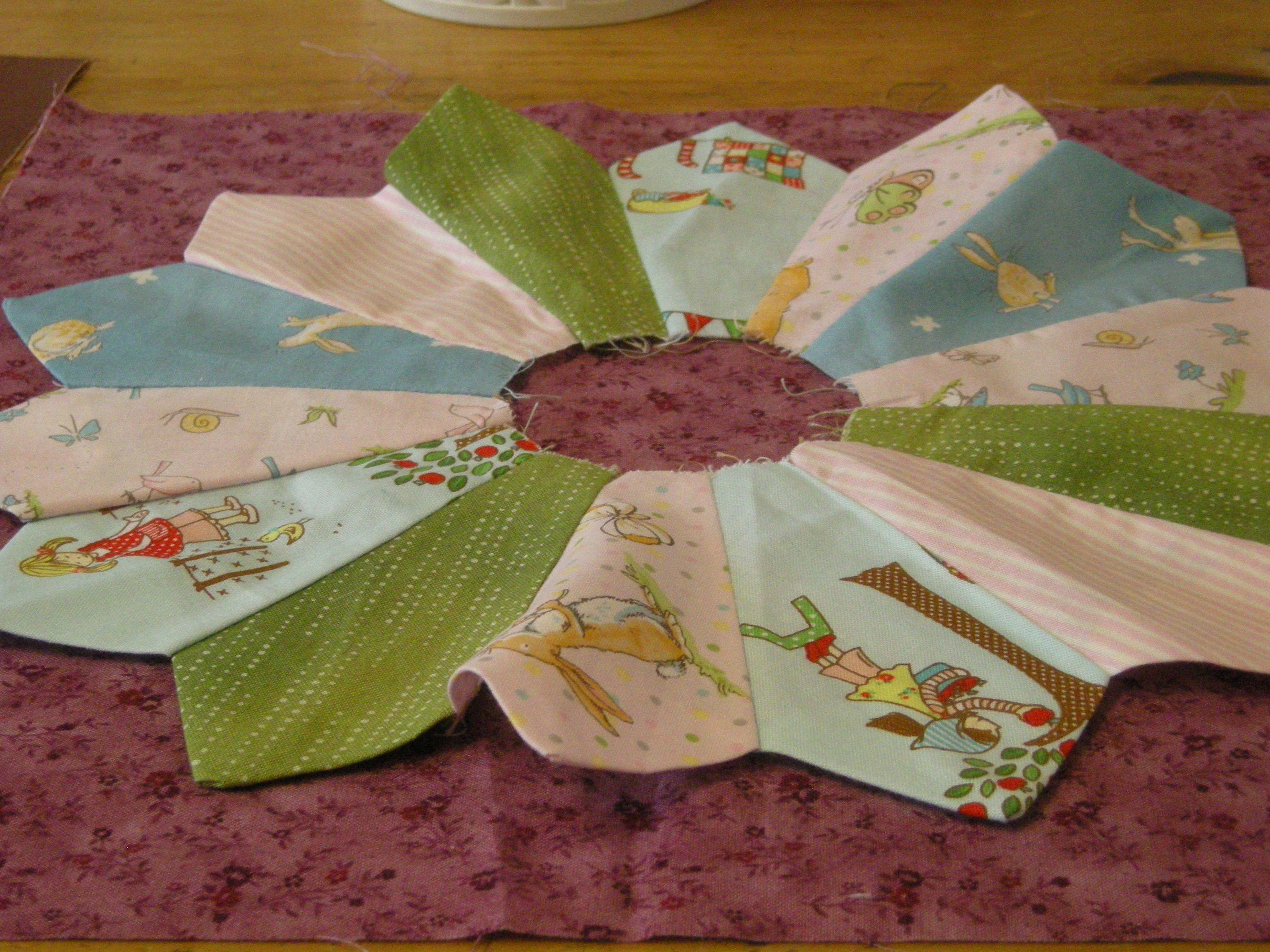 What To Do If Your Dresden Plate Wont Lie Flat The Sewing Room